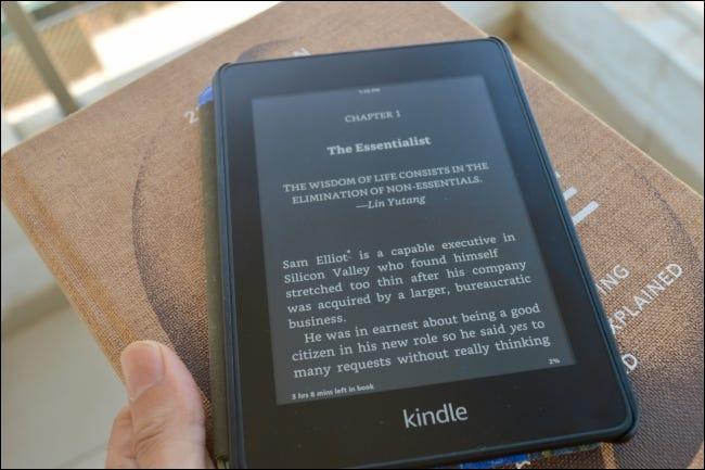 Ebook Kindle en modo oscuro