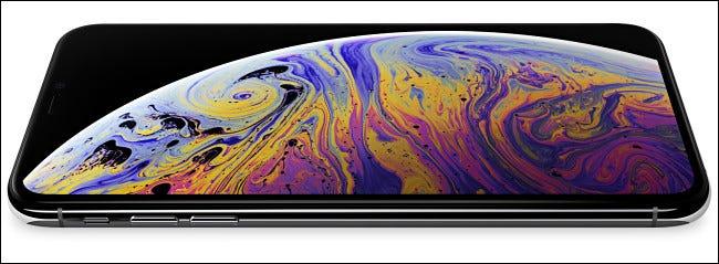 Un iPhone de Apple con pantalla Retina.