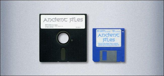 """Un disquete de 5,25 """"y un disquete de 3,5"""""""