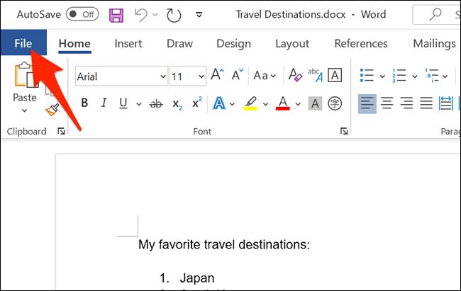 """Haga clic en """"Archivo"""" en la parte superior de la ventana de Word."""