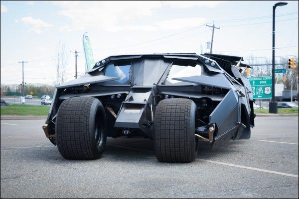 Vehículo Batmobile Tumbler de Batman de la serie de películas Dark Knight